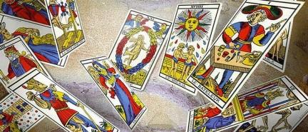 Qué es, de dónde procede y cómo se lee el tarot