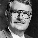 Frank J. Tipler, escritor y profesor de física matemática estadounidense.