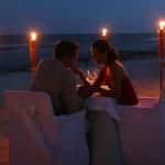 Estar pendiente de nuestra pareja y adelantarnos a sus necesidades o sorprenderla son detalles que alimentan la relación.