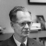 Burrhus Frederic Skinner (1904-1990), fue un psicólogo, filósofo social y autor estadounidense.