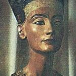 Nefertiti, Gran Esposa Real de Akenatón (o Amenofis IV), Dinastía XVIII de Egipto.