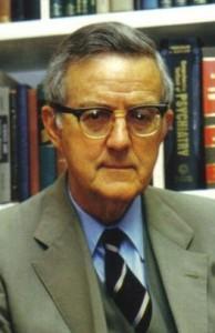 Ian Pretyman Stevenson (1918-2007), bioquímico y profesor de psiquiatría canadiense, fue jefe de la División de Estudios de percepción en la Universidad de Virginia (USA).