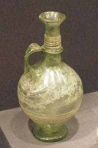 Jarra de vidrio, museo de Valladolid. Los romanos fueron grandes impulsores del trabajo en vidrio soplado.