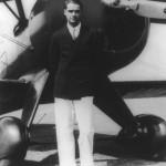 Howard Hughes (1905-1976) padeció un fuerte TOC, llegando incluso -entre otras muchas obsesiones- a clasificar los guisantes (uno de sus alimentos preferidos) por tamaño antes de consumirlos.