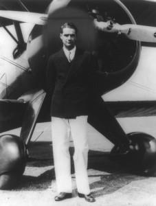 Howard Hughes (1905-1976) padeció un fuerte TOC, llegando incluso -entre otras obsesiones- a clasificar los guisantes (uno de sus alimentos preferidos) por tamaño antes de consumirlos.