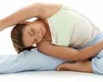 La práctica de las posturas (asanas) hace mucho más que dar flexibilidad a los músculos endurecidos y tonificar los blandos.