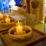 Con el simple gesto de encender una vela, iluminamos la oscuridad que rodea nuestras vidas con la energía vital que desprende su luz.