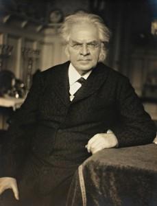 Björnstjerne Martinus Björnson (1832-1910) fue un escritor noruego que recibió el premio Nobel de Literatura en 1903.