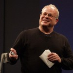 Martin Seligman es un psicólogo y escritor estadounidense conocido por su trabajo e influencia en el campo de la psicología positiva.