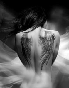 La Biblia en ninguna parte sugiere que al morir los humanos nos convirtamos en ángeles.