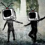 La sociedad de consumo, a través de una propaganda monstruosa, nos obliga a trabajar más para consumir más.