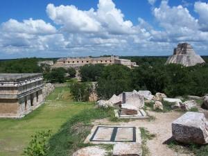 Panorámica de Uxmal, ejemplo de arquitectura maya.