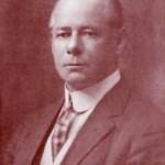 Morgan Andrew Robertson (1861-1915), oficial estadounidense de la marina mercante y escritor.