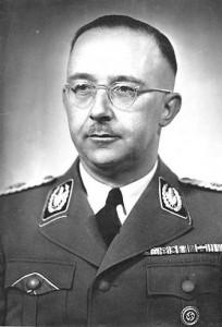 Heinrich Himmler fue una de las personas más poderosas en la Alemania nazi, y también uno de los principales responsables del Holocausto y de otros muchos crímenes.