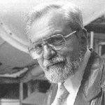 Josef Allen Hynek (1910-1986) fue un astrofísico, profesor y ufólogo estadounidense.
