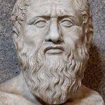 Busto del filósofo griego Platón, 427-347 a. C., primero en mencionar (en dos de sus diálogos) la existencia de la Atlántida, cuyo poderío fue tal que llegó a dominar el oeste de Europa y el norte de África, hasta ser detenido por la ciudad de Atenas.
