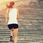 Practica deporte, no para adelgazar, porque el ejercicio no consume una importante cuota de calorías, sino para modelar tu cuerpo y preservar tus músculos en detrimento de la grasa. Hay infinidad de opciones para realizar ejercicio físico, sólo se trata de voluntad.