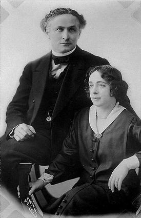 Houdini y su esposa Bess