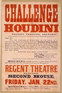 Cartel anunciador de una actuación del mago. Houdini incorporó a sus números conceptos futuristas como la fuerza física, la velocidad, la tensión y el reto.