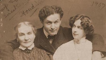 Houdini, madre y esposa