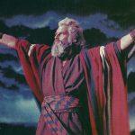 'Los diez mandamientos' (1956), una de las películas más memorables de Hollywood dirigida por Cecil B. DeMille. Ganó un Óscar a los mejores efectos especiales, además obtuvo seis nominaciones: a la mejor película, a la mejor dirección artística, a la mejor fotografía, al mejor montaje, al mejor sonido, y al mejor vestuario.