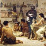 La dispersión de los felinos ganó impulso durante el período clásico a lo largo de las rutas marítimas y terrestres humanas de comercio cuando el gato egipcio se extendió por todo el Viejo Mundo.