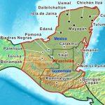 Extensión territorial máxima de la civilización maya que ocupó una amplia región que incluía el sureste de México y el norte de América Central; abarcó toda la península de Yucatán, la totalidad de Guatemala y Belice, así como la porción occidental de Honduras y El Salvador.