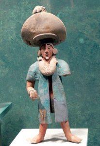 Las figurillas de cerámica, muchas de ellas hechas en molde, son de una vivacidad y realismo excepcional.
