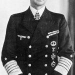 Karl Dönitz (1891-1980). Comandó la Kriegsmarine de la Alemania nazi desde el 30 de enero de 1943 hasta el final de la guerra, cuando Adolf Hitler lo nombró su sucesor. Siempre defendió la utilización del submarino como la arma más práctica en la guerra naval.