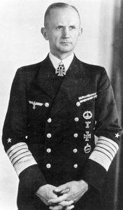 Karl Dönitz (1891-1980). Comandó la Kriegsmarine de la Alemania nazi desde el 30 de enero de 1943 hasta el final de la guerra, cuando Adolf Hitler lo nombró su sucesor.