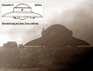 Polémica imagen de una Haunebu II que pretende demostrar que los nazis fueron capaces de desarrollar naves espaciales.
