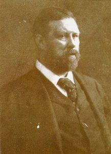 """Nacido cerca de Dublín en 1847, Abraham """"Bram"""" Stoker invirtió siete años en escribir su famosa novela 'Drácula'."""