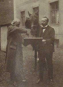 Aunque nunca compartió las conclusiones del estudio sobre las capacidades reales de su amigo, Wilhelm siempre se mostró dispuesto a colaborar con los investigadores del caso.