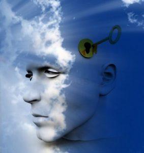 Algunos especialistas de la salud mental recurren a técnicas como la hipnosis para obtener el material necesario de recuerdos pasados olvidados a los efectos del análisis de sus pacientes.